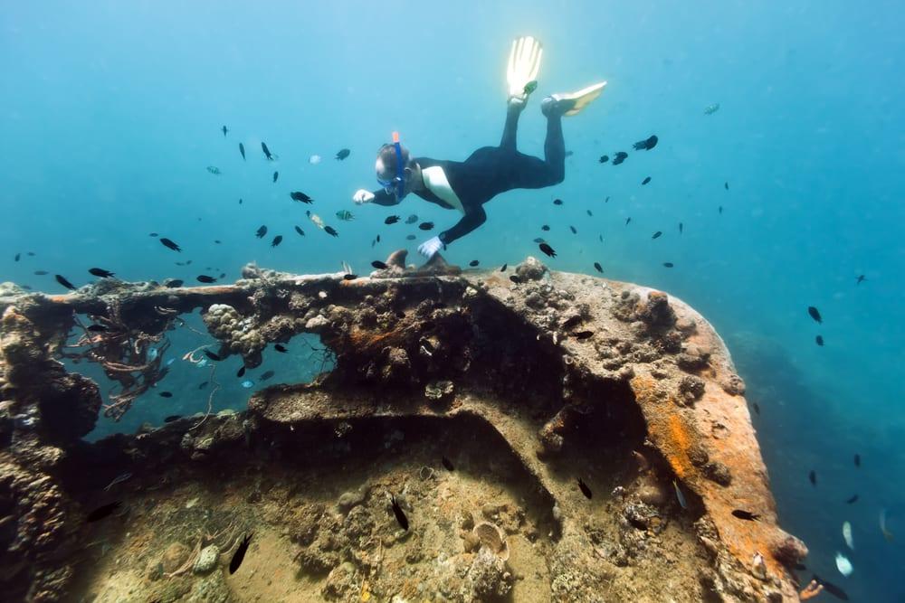 地点:巴拉旺省北部 占地:689平方公里 潜水月份:11月-5月 特色:寻宝
