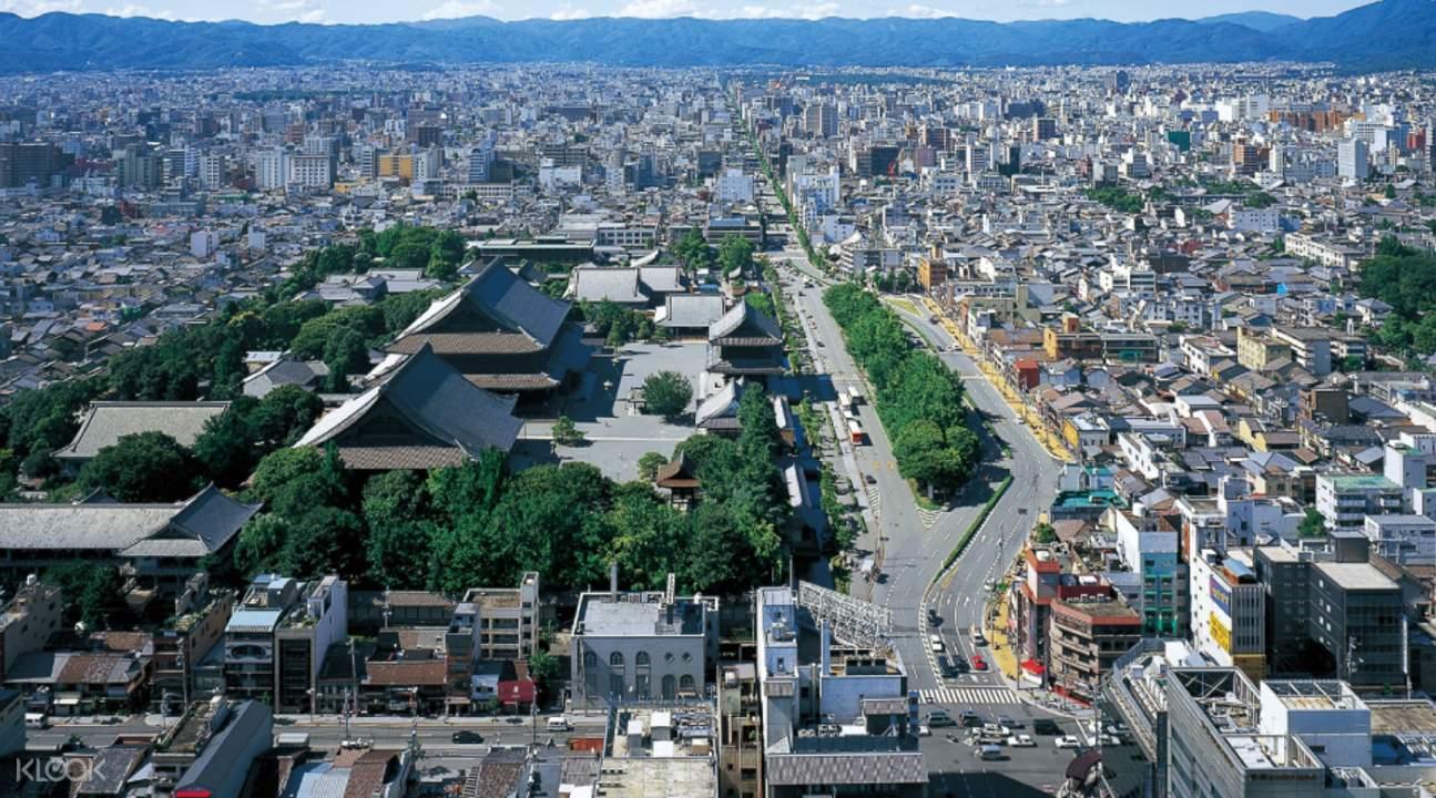 京都塔是全世界最高的「非钢结构建筑」,也正因为不使用钢筋,才能将