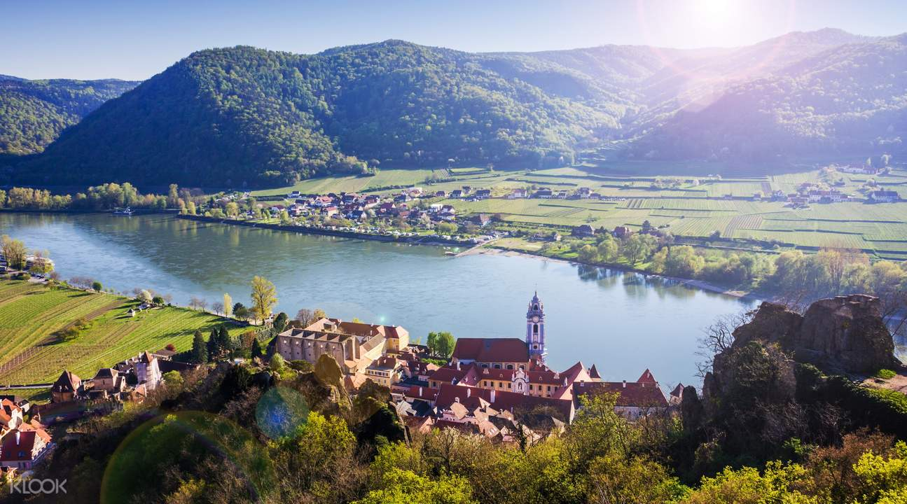 romantic danube valley day trip from vienna