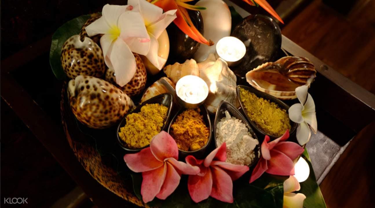 咖啡身体磨砂,亚洲精油按摩,传统泰式按摩等多种套餐可供选