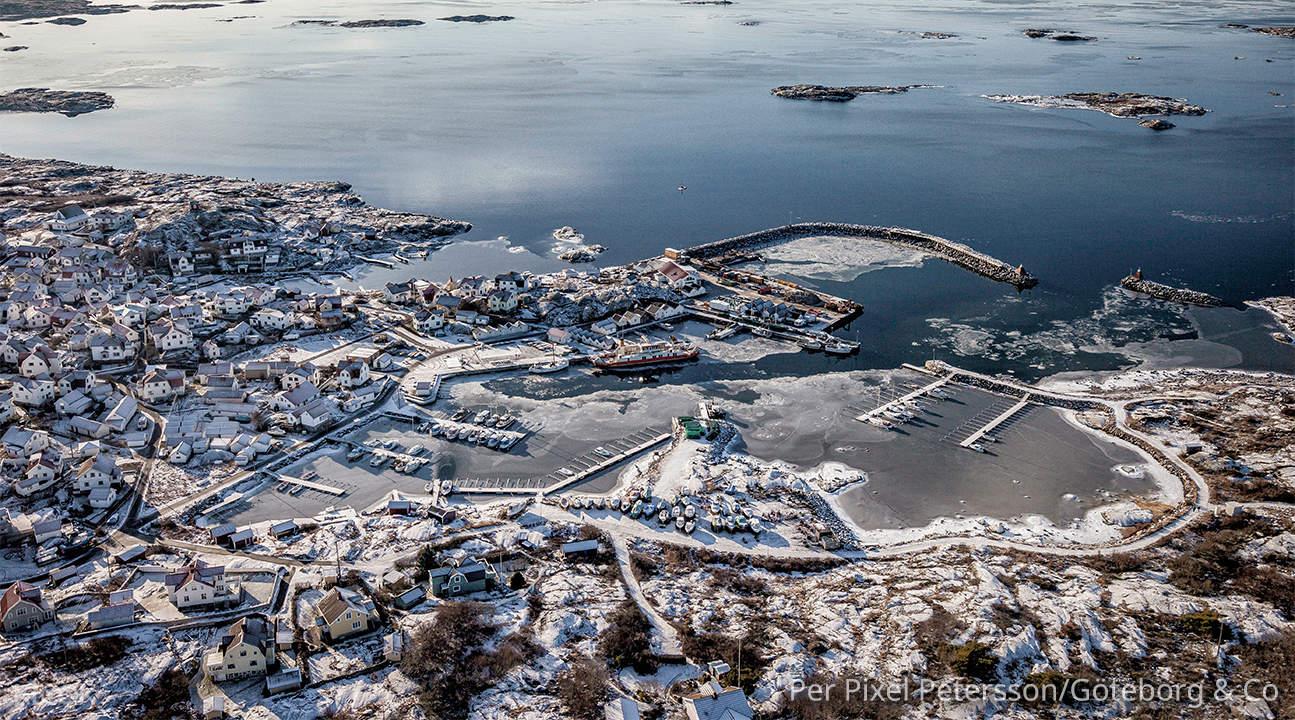 希辛延岛是瑞典第四大岛屿,北部有哥德堡的港口,村落和工厂
