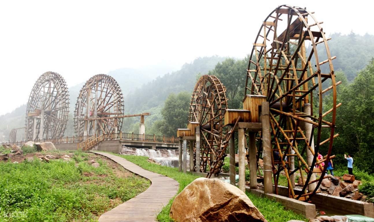 道须沟风景区位於黑里河自然保护区内,总面积1184公顷,享有「塞外