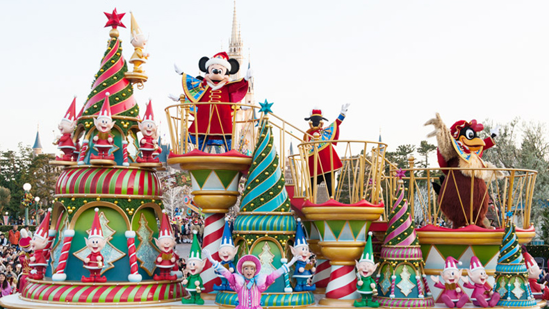 Tokyo Disneyland Christmas Parade
