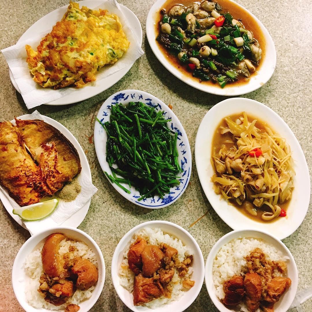「老二腿庫飯」也有許多家常美味熱炒料理。(圖片來源/Instagram-karen__wu721)