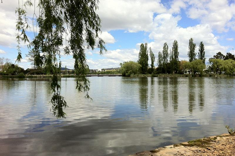 伯利格里芬湖Lake Burley Griffin(照片來源:Pixabay)
