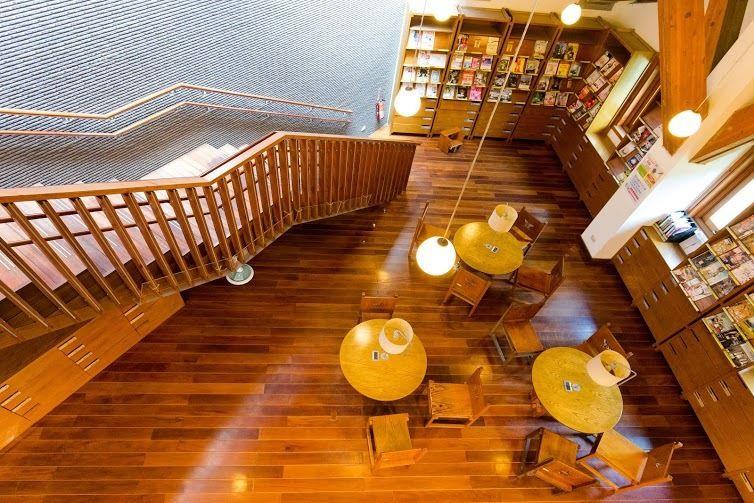 館內閱讀空間寬敞舒適,空氣中還瀰漫著清新木香。(圖片來源/台北旅遊網)