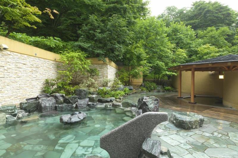 受到房客喜愛的露天溫泉池(照片來源:Jozankei Tsuruga Resort Spa Mori no Uta官網http://www.morino-uta.com/)