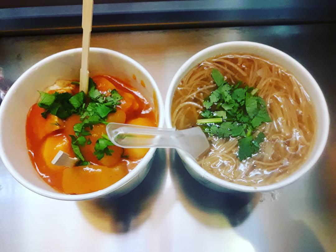 麵線搭配甜不辣,是最佳的美味組合。(圖片來源/Instagram-______gaga______)