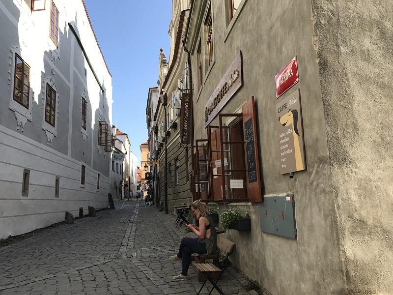 到CK小鎮一定要到舊城區的石板路散散步!