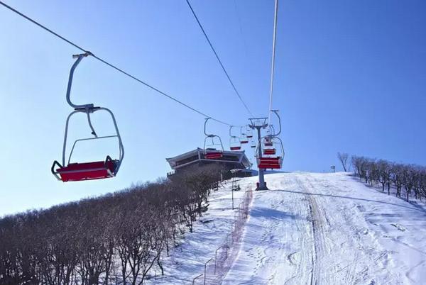 馬 息 嶺 滑 雪 度 假 區 。