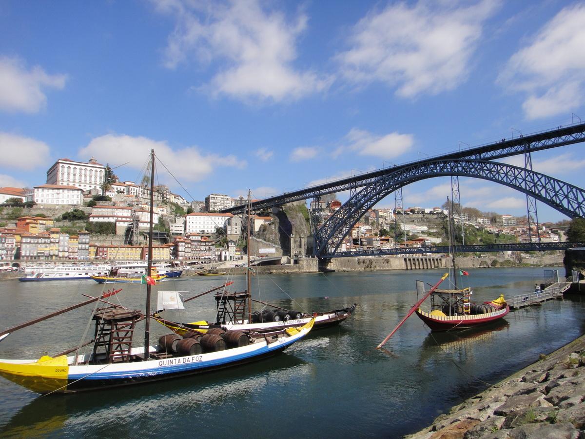 【 葡萄牙波爾圖景點 】哈利波特小說誕生地! 跟著JK羅琳的步伐,尋訪世界最美書店!