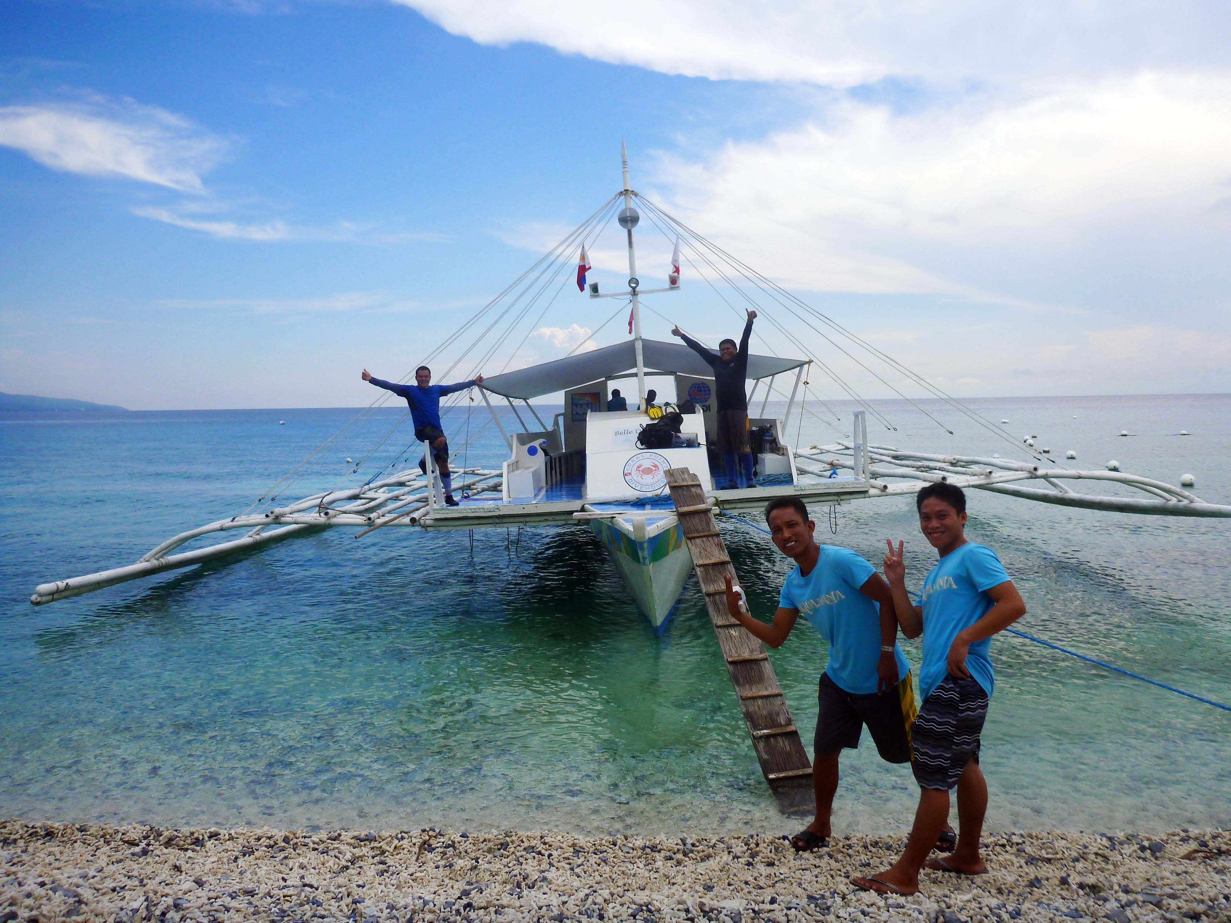 BLUEWATER 有專業的潛水中心和自己的螃蟹船 (Photographer/ Ran)