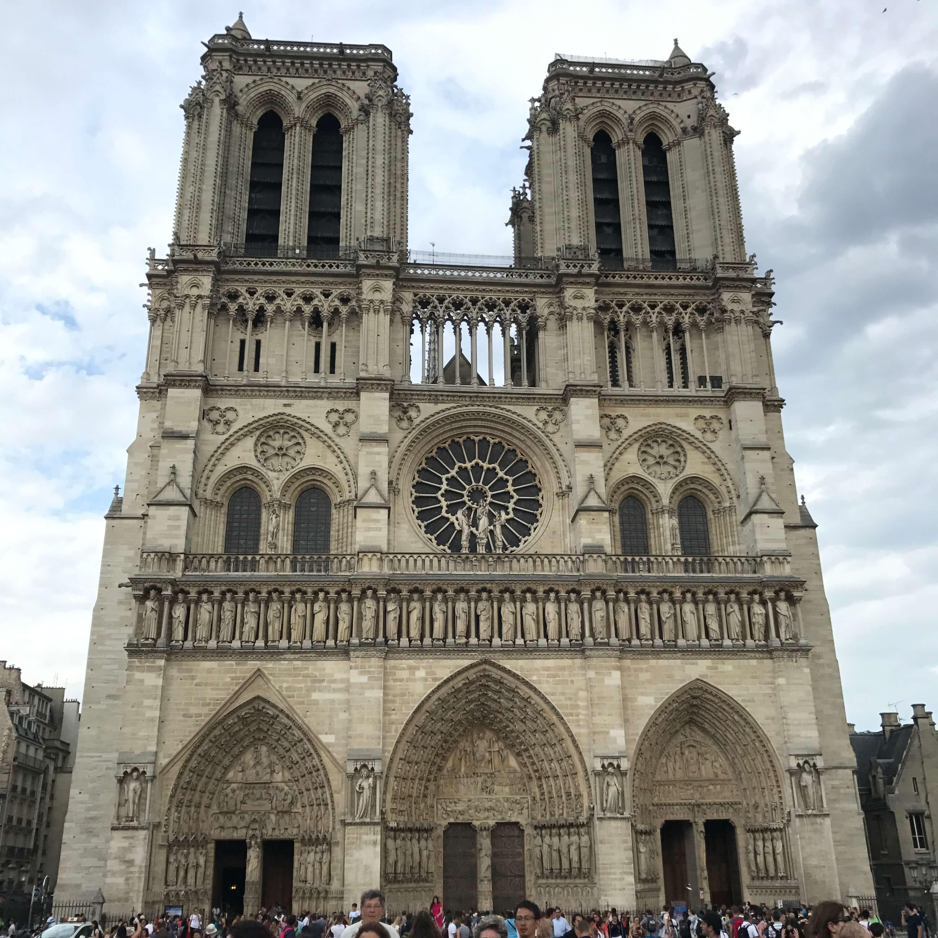 法國巴黎聖母院 photo by 倍包客
