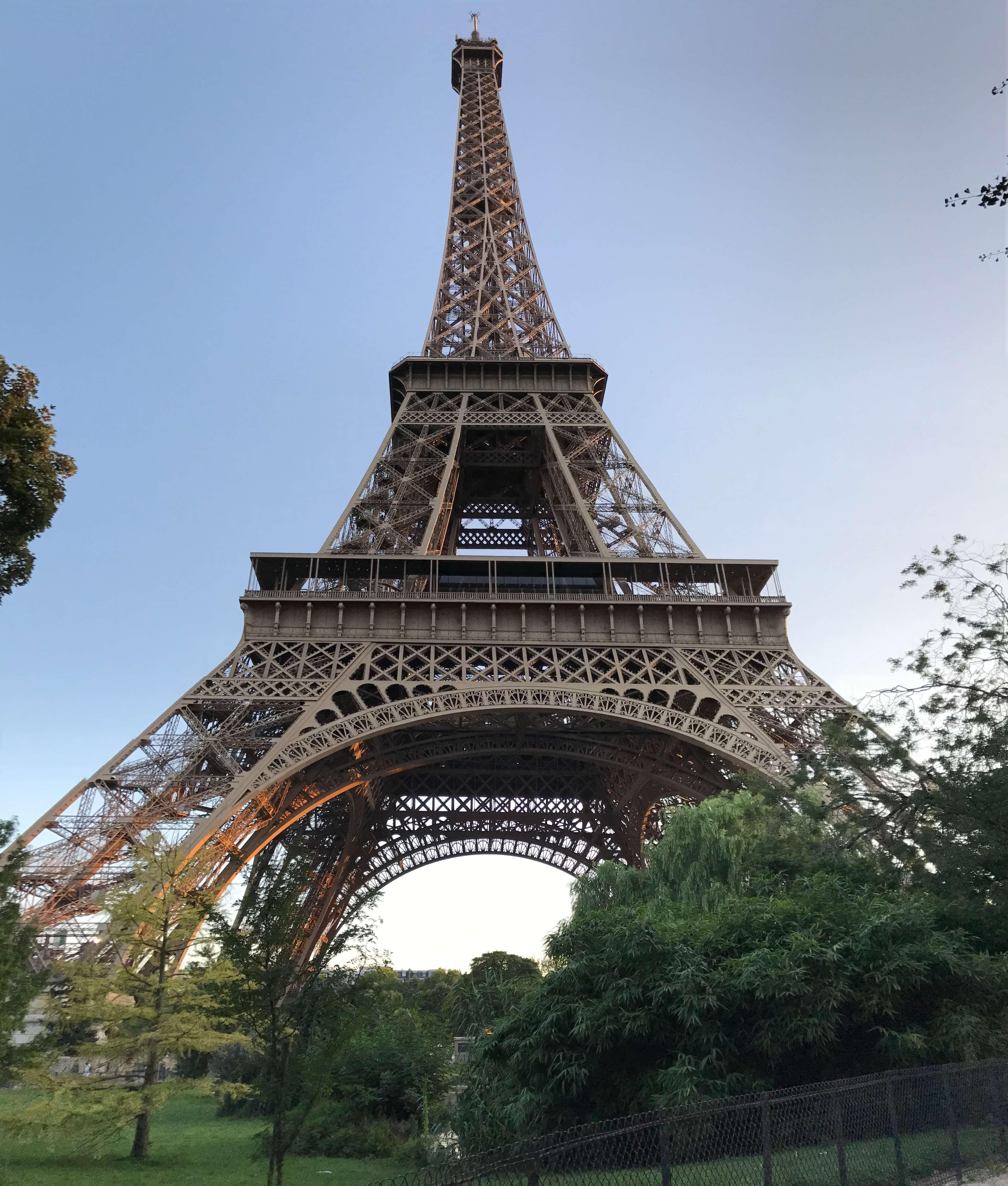 法國巴黎艾菲爾鐵塔日景 photo by 倍包客