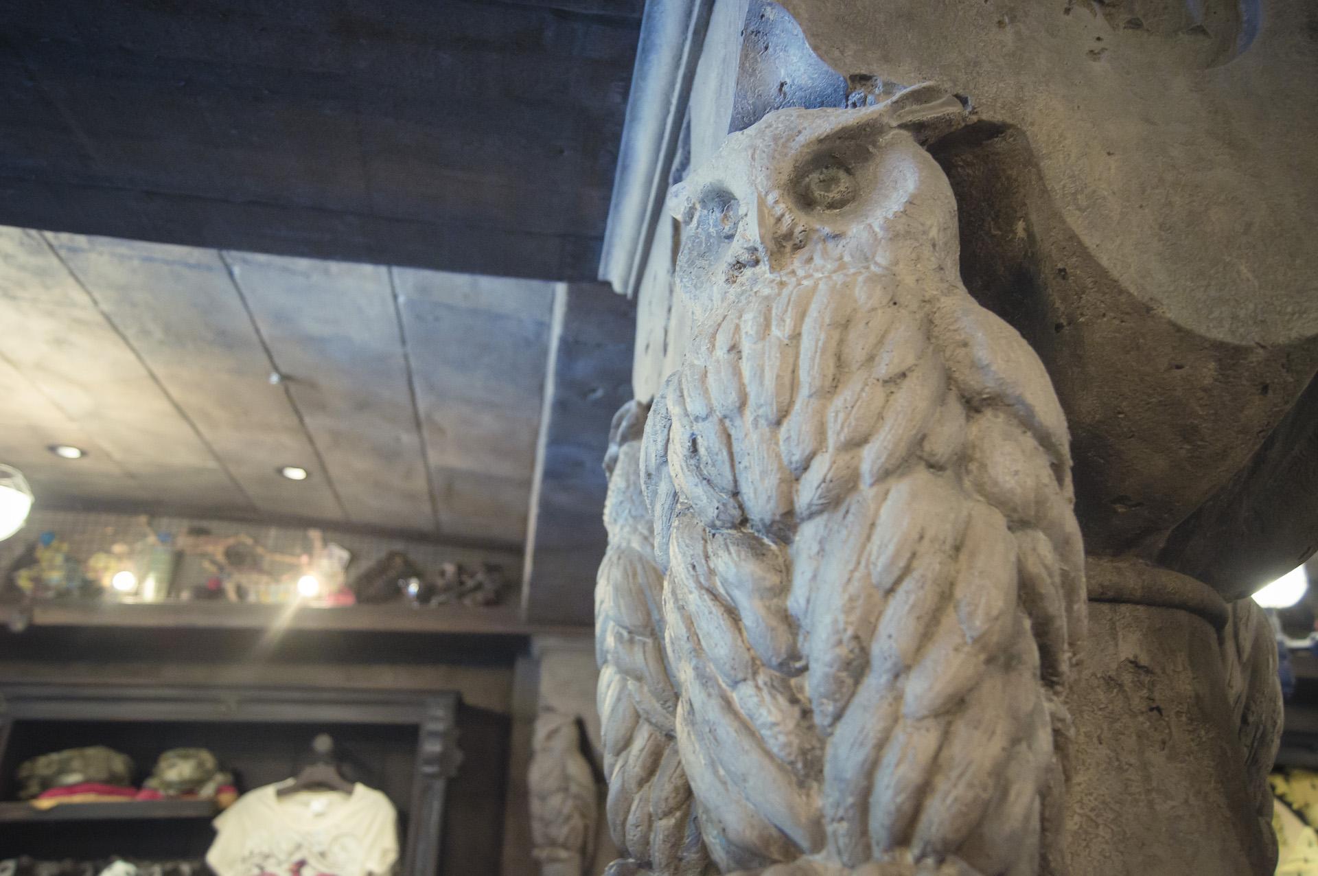 大阪環球影城哈利波特,店內可以拍照請不要錯過(但記得不要影響到選購紀念品的其他麻瓜喔)!