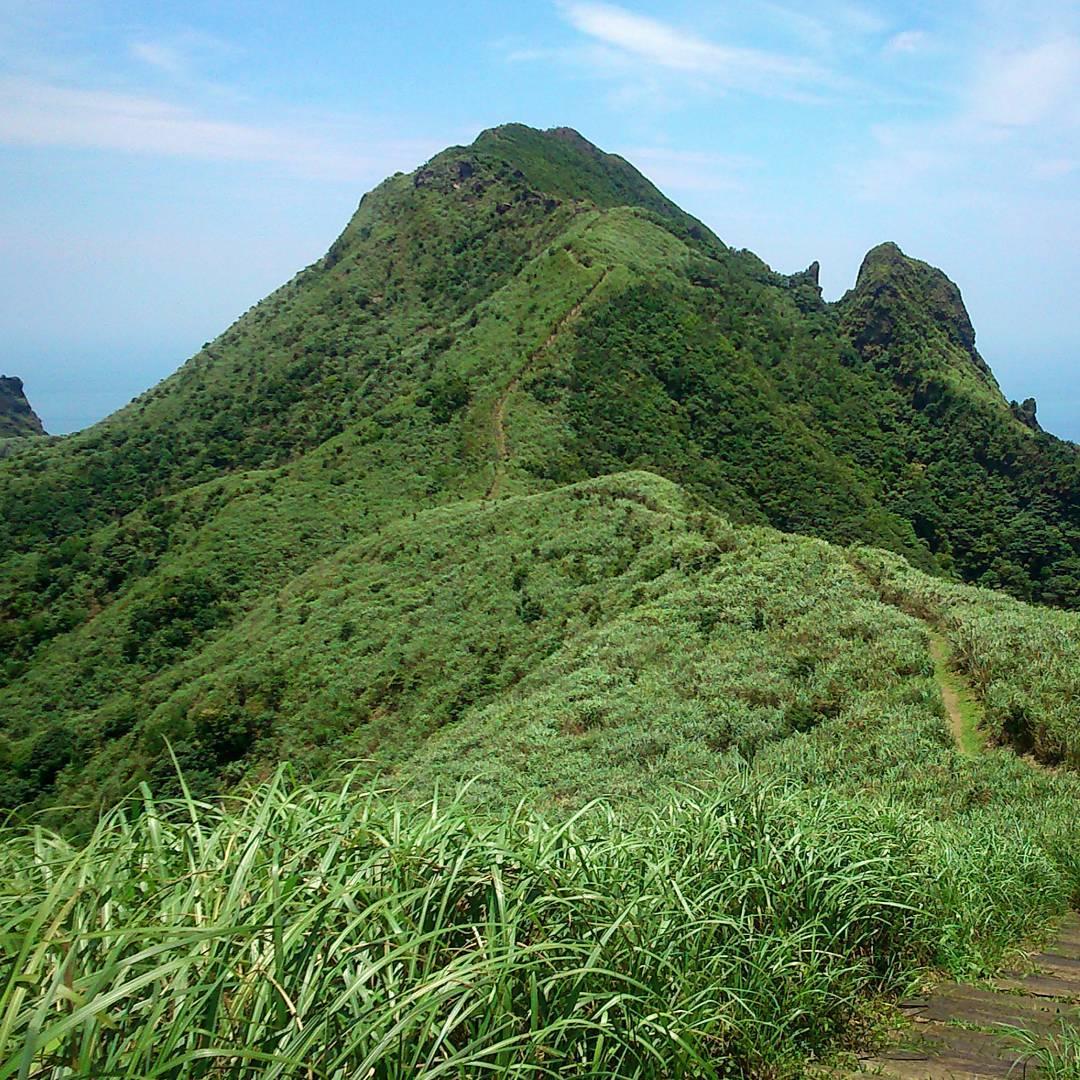 半屏山為傾斜的單面山。(圖片來源/Instagram-gionecruise)