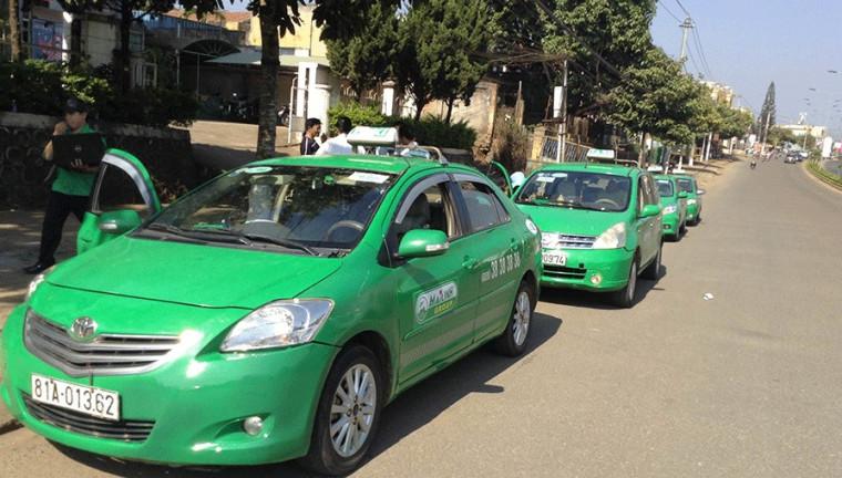 胡志明市交通 : 綠色計程車 Mai Linh