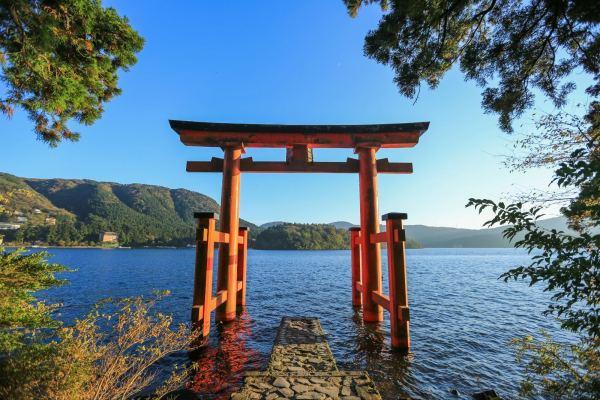 你知道神社和寺廟的差別嗎? 參拜日本神社跟寺廟的「眉角」一次告訴你 ...