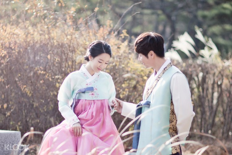 Giảm đến 10% | Hanbok Portrait Experience by Z-and in Seoul- Klook
