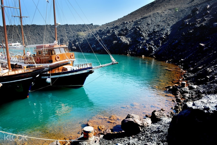 Santorini Volcano And Hot Springs Boat Tour Klook