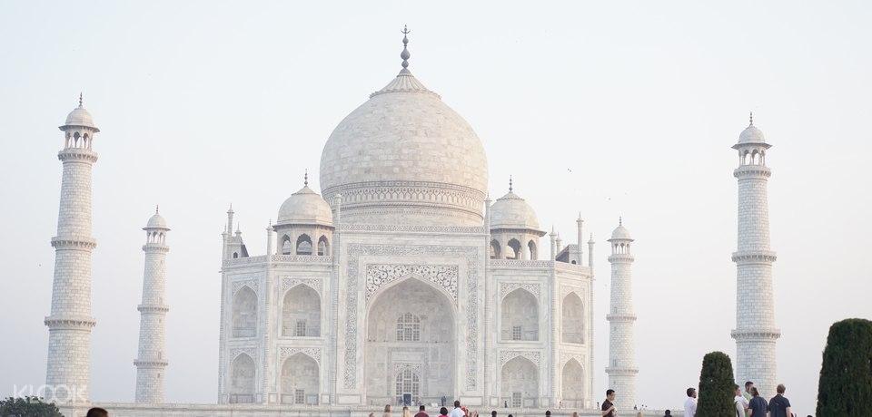 Taj Mahal Fast Track Entry