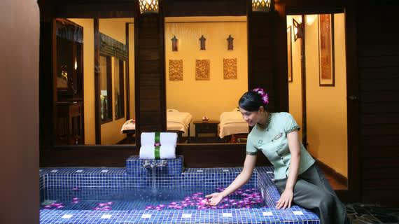 japansk spa lek thai massage