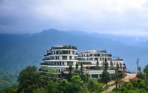 Combo khách sạn Pao's Sapa Leisure tại Sapa với Vé cáp treo Fansipan và Vé xe buýt khứ hồi từ Hà Nội