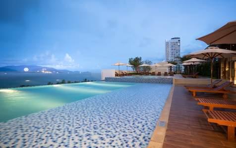 [Giảm 60%] Chơi Vinwonders & Ở Vinpearl Condotel Beachfront Nha Trang, kèm Ăn Sáng Buffet