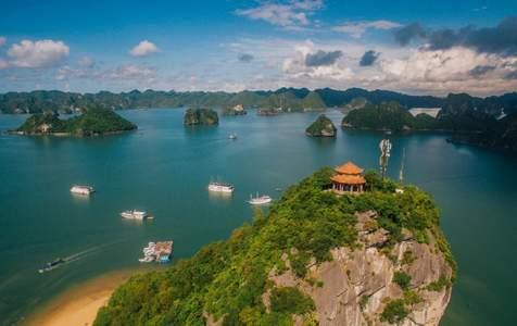 Tour trong ngày đến Hang Luồn và Đảo Ti Tốp ở Vịnh Hạ Long