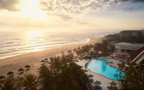 Sandy Beach Non Nước Resort Đà Nẵng