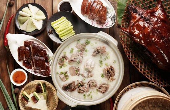 頤宮中餐廳烤鴨多重吃法