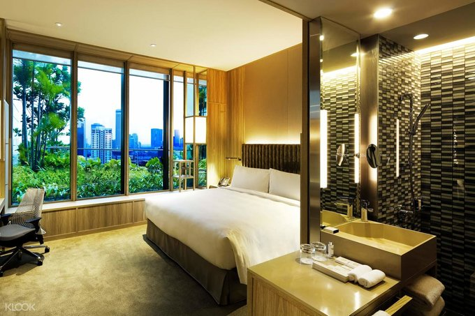 singapore staycation parkroyal at pickering room