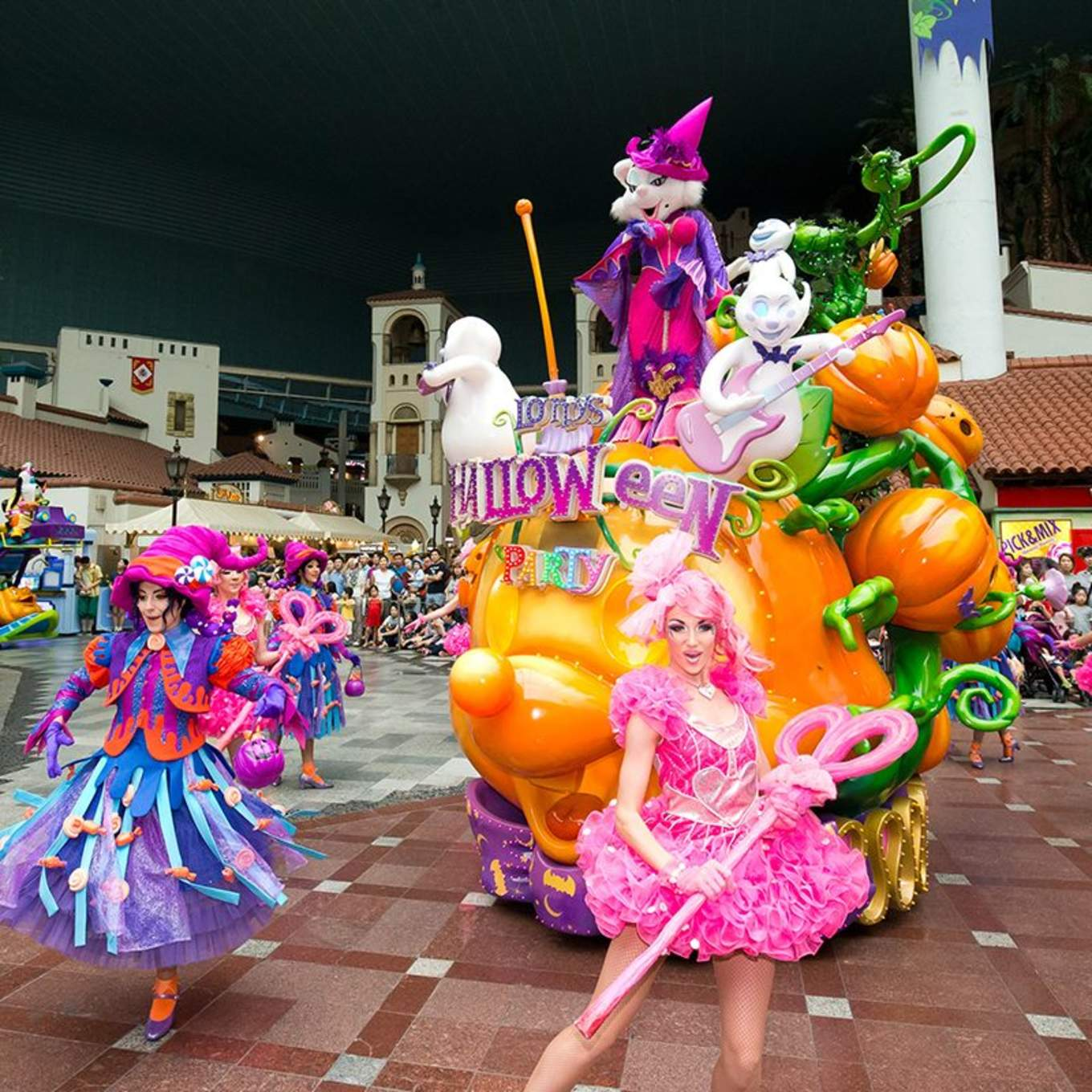 All-You-Need-To-Know-To-Conquer-Lotte-World -HALLOWEEN-PARADE