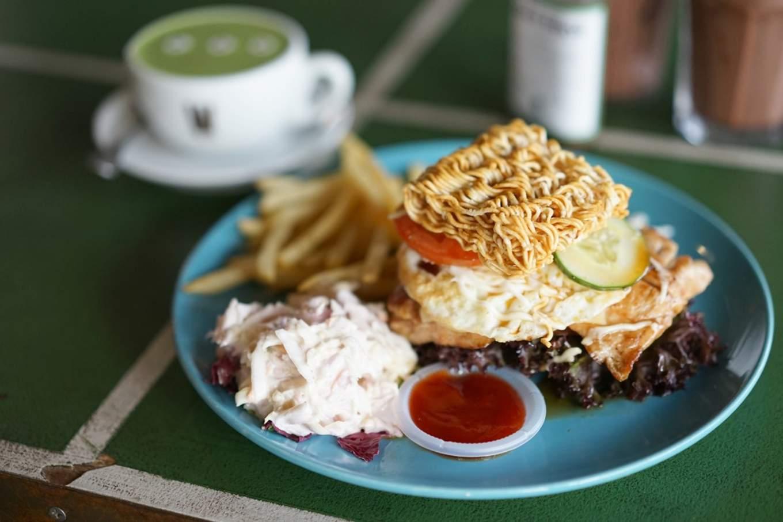 JB-Charter-Monsta-Cafe-Mamee-Burger (Copy)