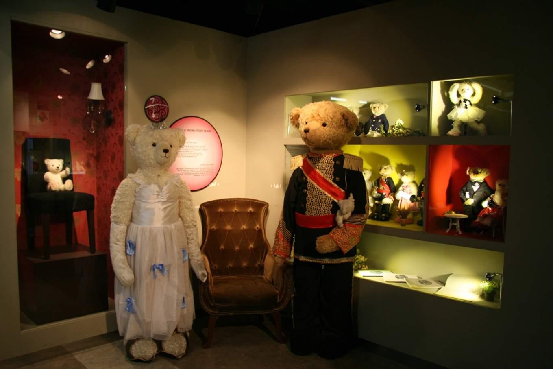 Princess Hours Teddy Bears at the Teddy Bear Museum