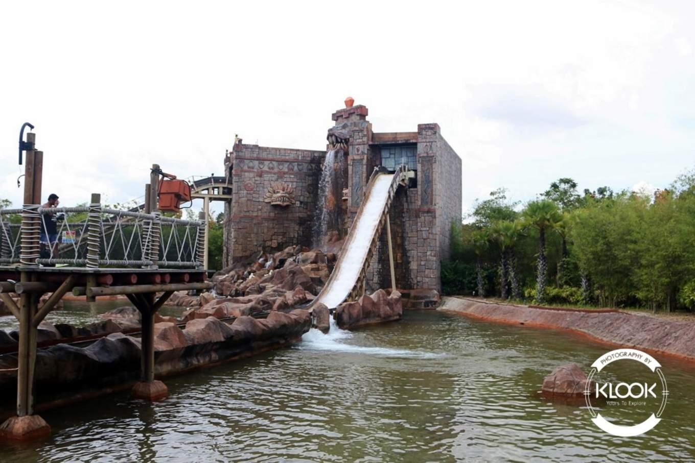 Dino Island at Land of Adventure