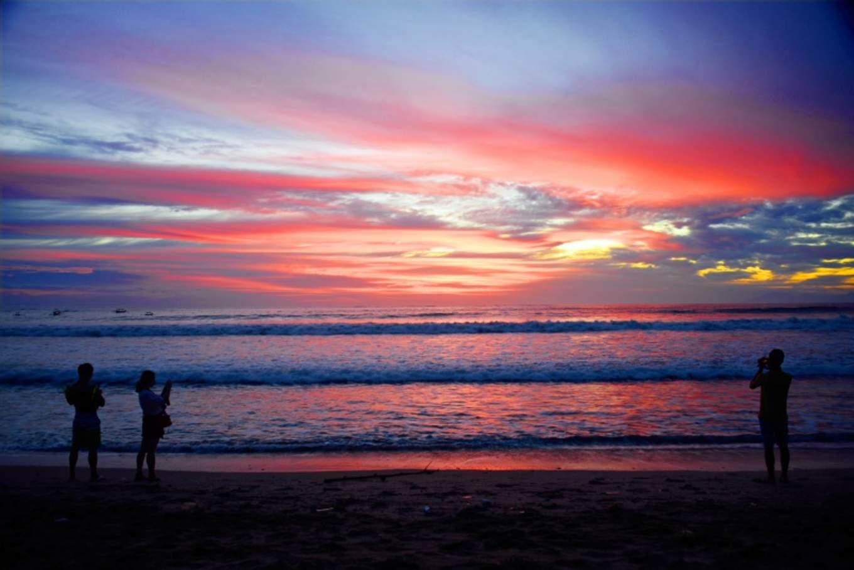 backlit bali beach 413958
