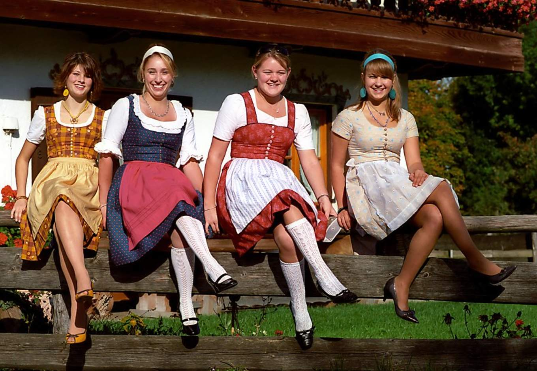 女生巴伐利亞傳統服飾Dirndl 來源:wikimedia@Florian Schott