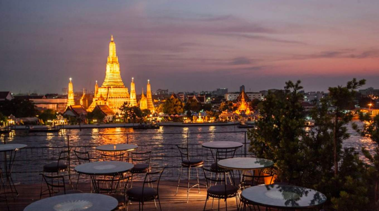 鄭王廟夜景配燭光晚餐 | 圖片來源:Coconut Bangkok