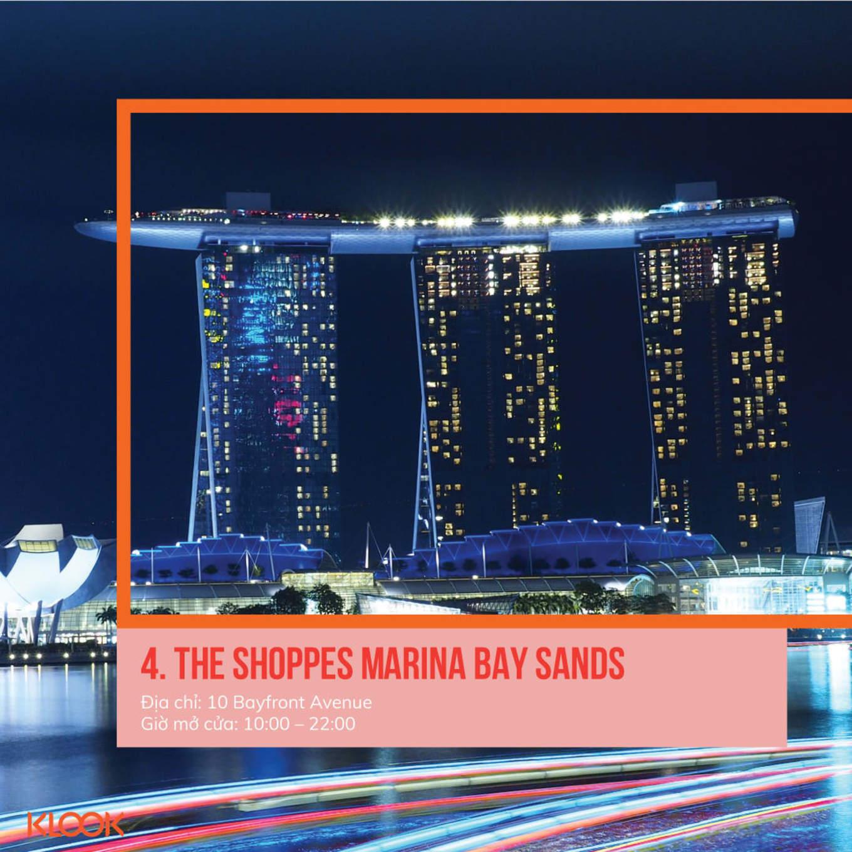 the shoppes là một trong 7 khu mua sắm ở singapore bạn phải đi trong dịp giảm giá