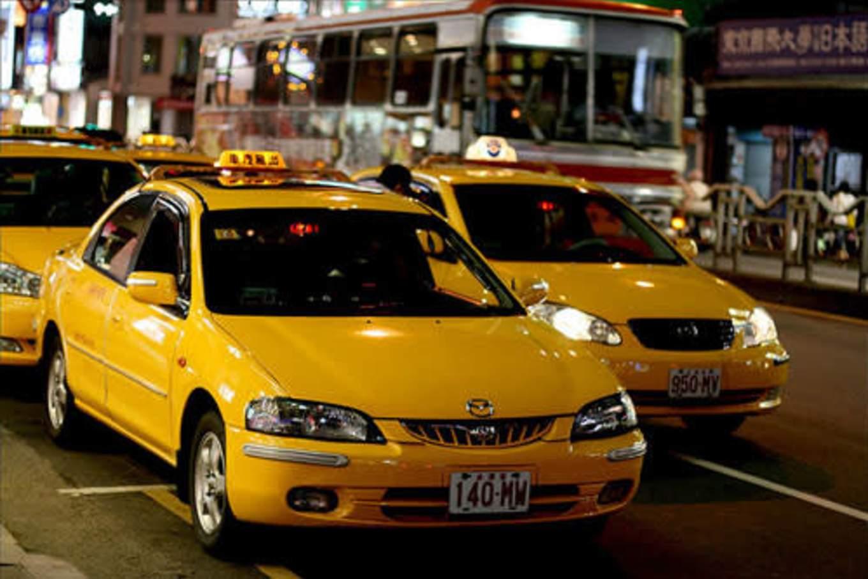đi taxi là một bí kíp du lịch đài loan