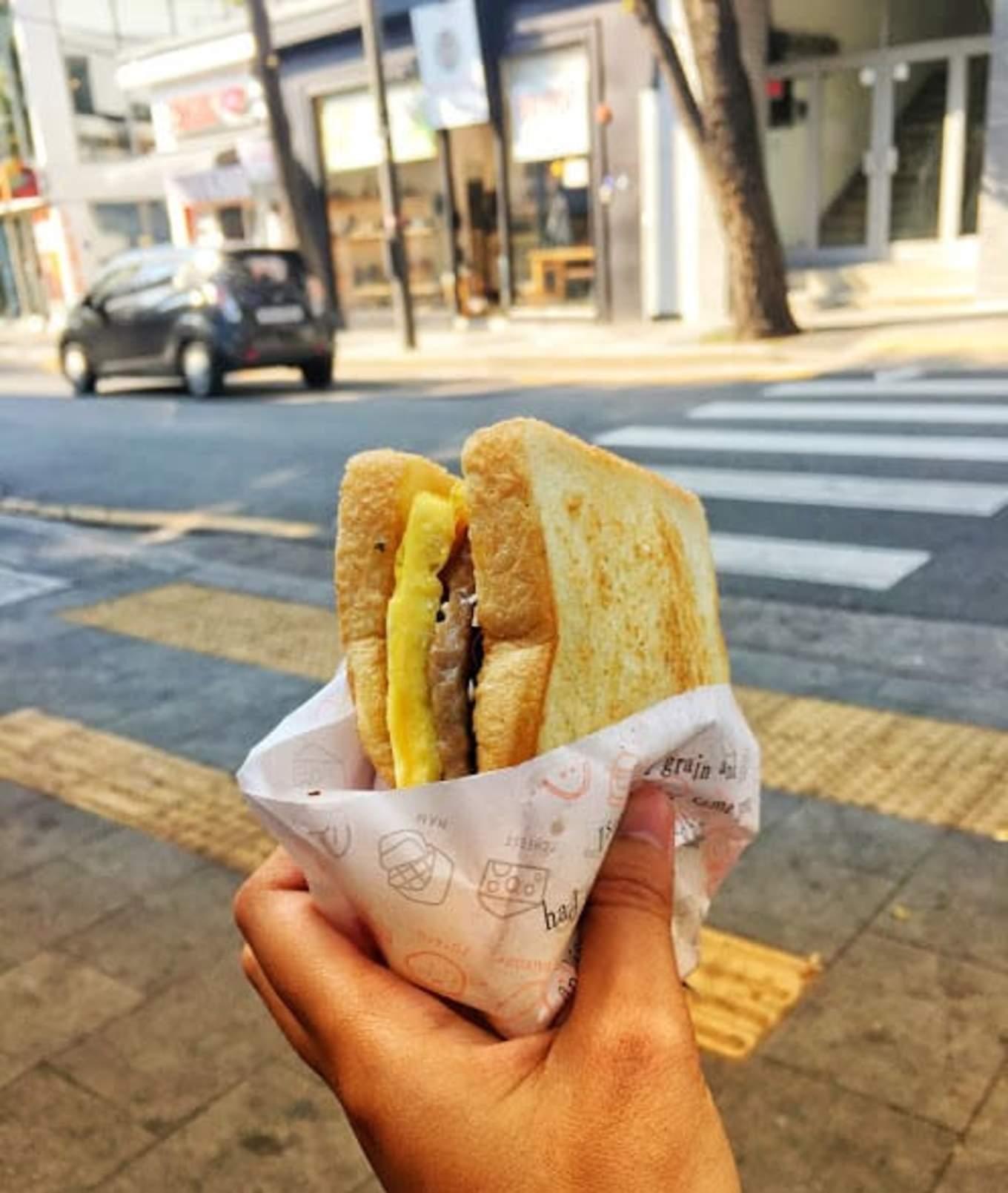 bánh kẹp isaac là một trong những món phải thử ở nền ẩm thực seoul