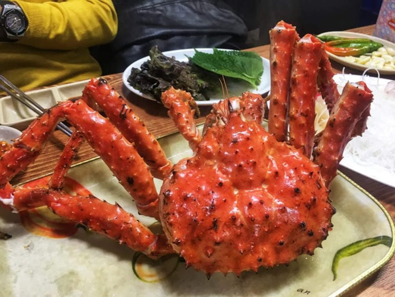 king crab là một món phải thử trong ẩm thực seoul