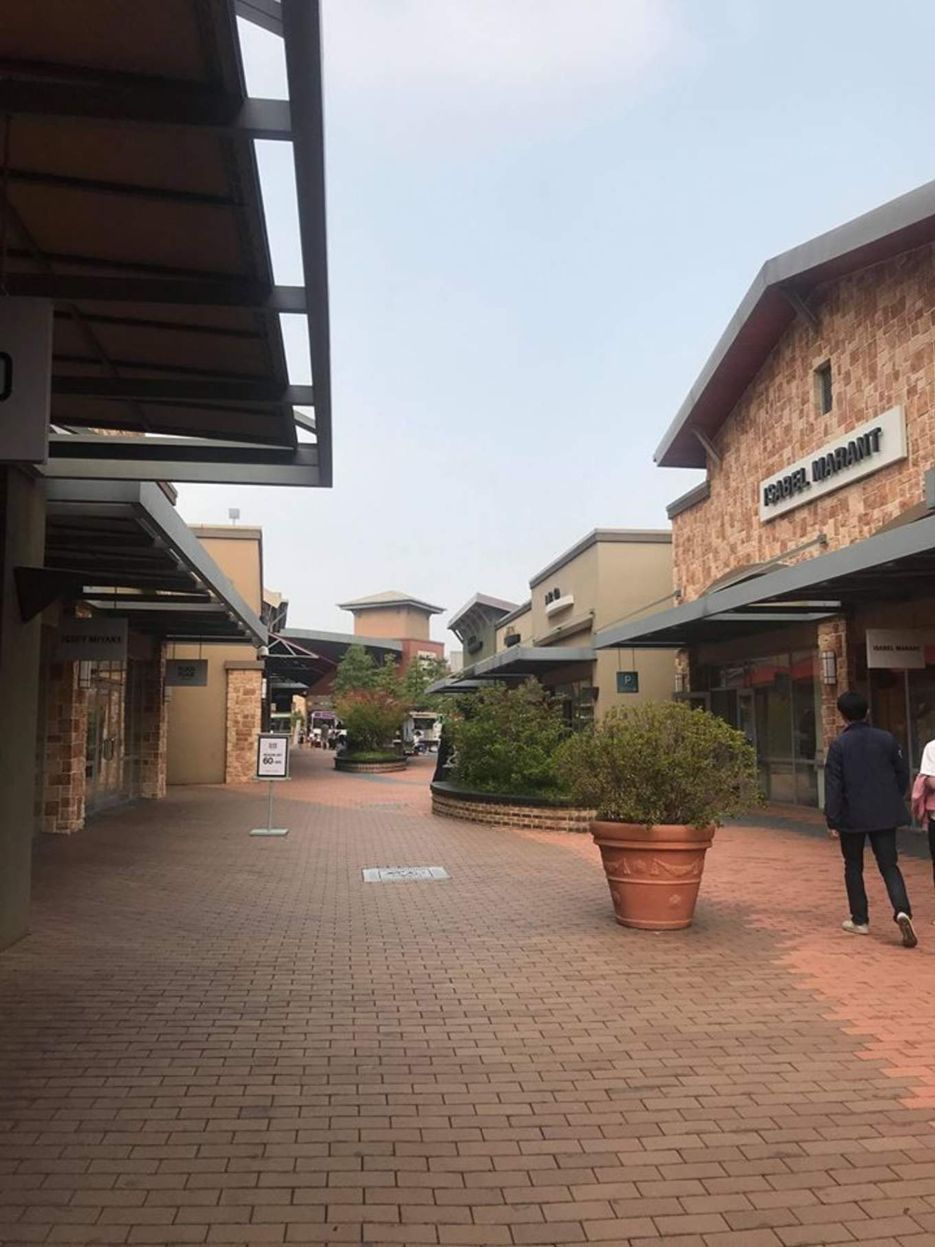 gyeonggi-do outlet là nơi mua sắm ở seoul