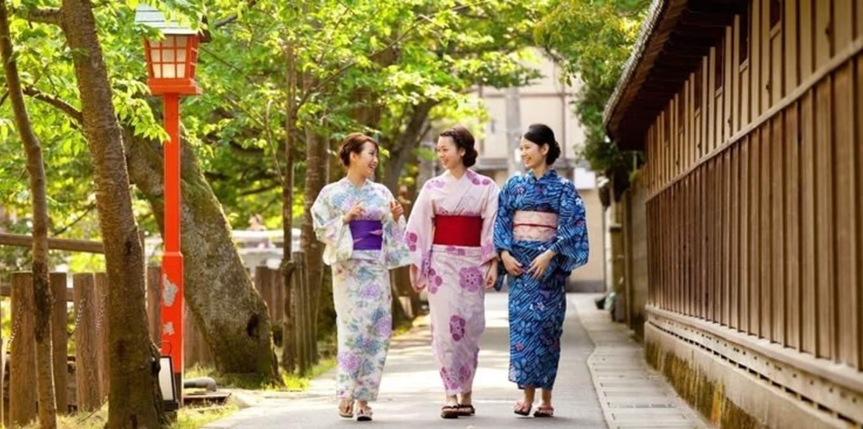 thuê yukata là một hoạt động đậm chất văn hóa trong lịch trình du lịch sapporo bằng JR Pass