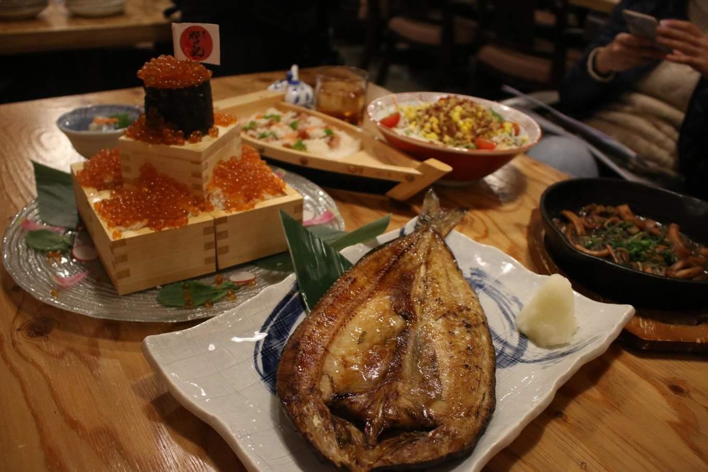 nhà hàng Daihachi Matsuda Izayaka rất nổi tiếng với ẩm thực hokkaido