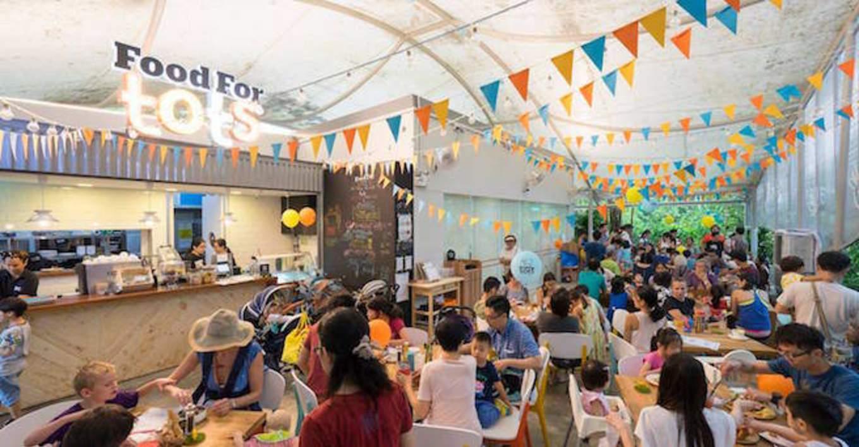 lịch trình đi singapore 4 ngày 3 đêm cho các cặp đôi: nhà hàng food for tots