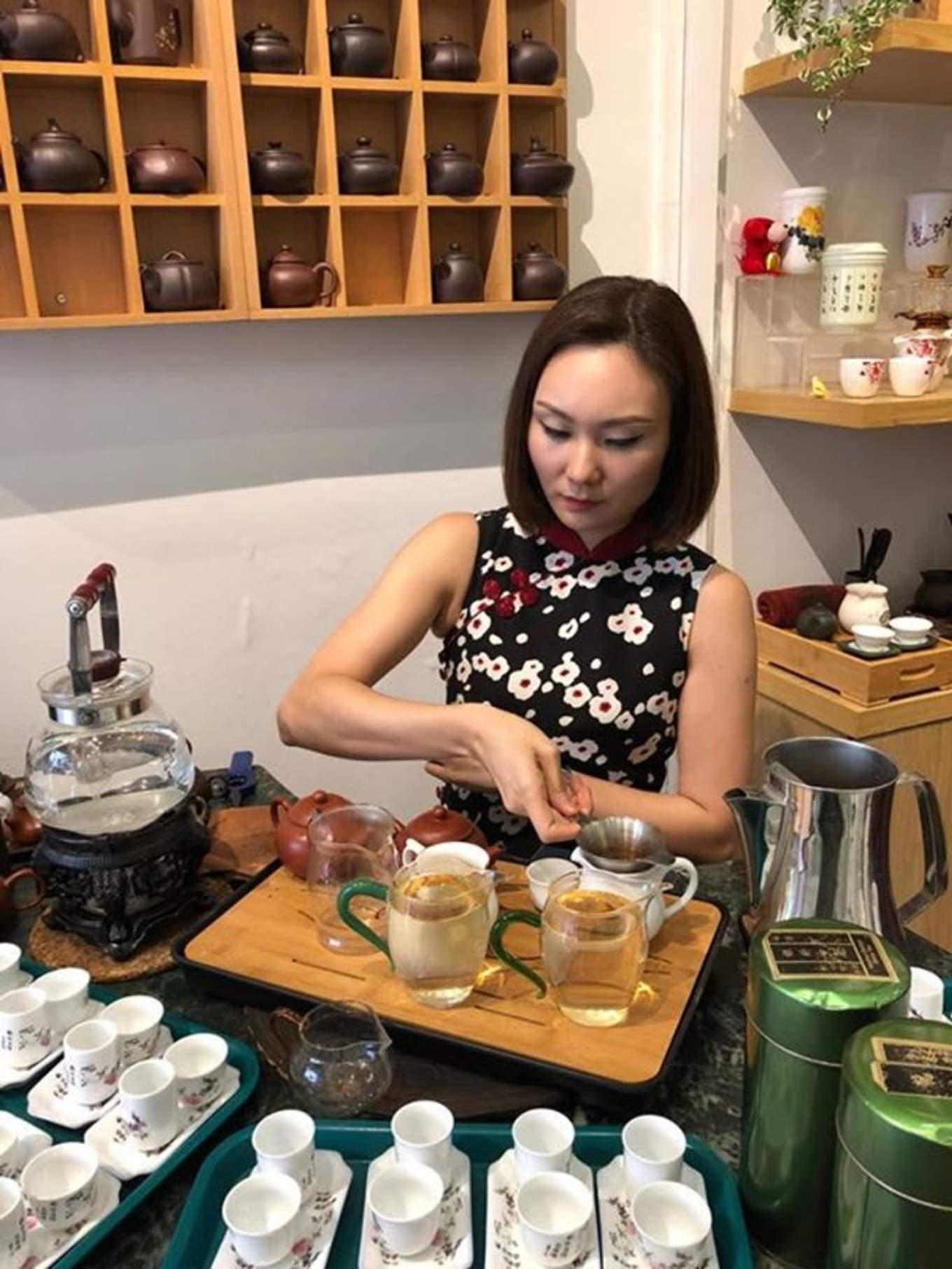 thưởng trà tại yixing xuan teahouse