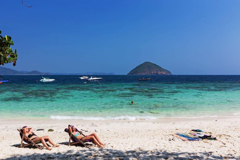 bãi biển tại đảo san hô
