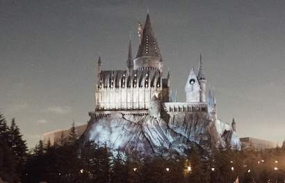 New Dark Arts Light Show At The Wizarding World Of Harry Potter In Universal Studios!